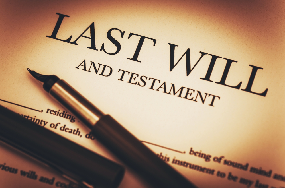 What's the Difference Between a Living Will and a Last will?